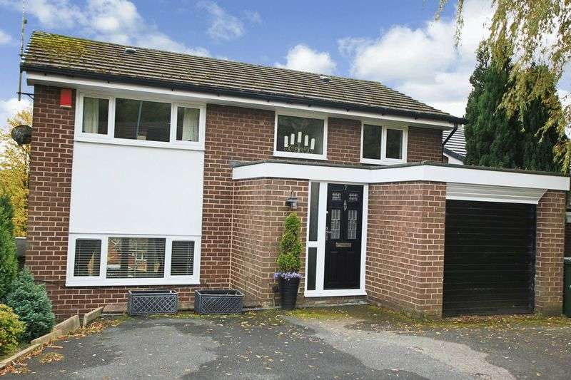 4 Bedrooms Property for sale in Duffins Close, Shawclough OL12 6XA