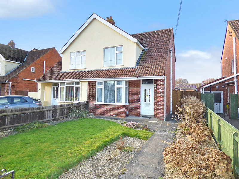 3 Bedrooms Semi Detached House for sale in Redland Lane, Westbury
