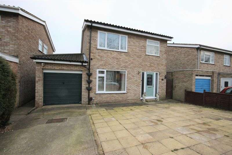 4 Bedrooms Detached House for sale in Moriston Road, Brickhill, Bedford