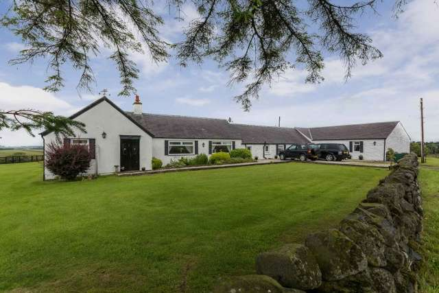 4 Bedrooms Bungalow for sale in , Ochiltree, East Ayrshire, KA18 2RQ