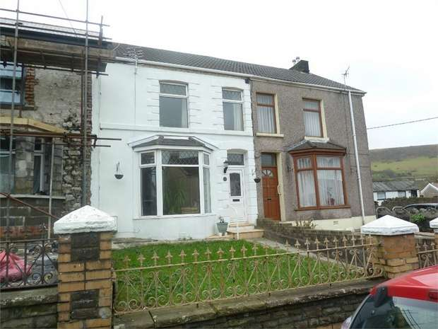 3 Bedrooms Semi Detached House for sale in Bridgend Road, Maesteg, Maesteg, Mid Glamorgan
