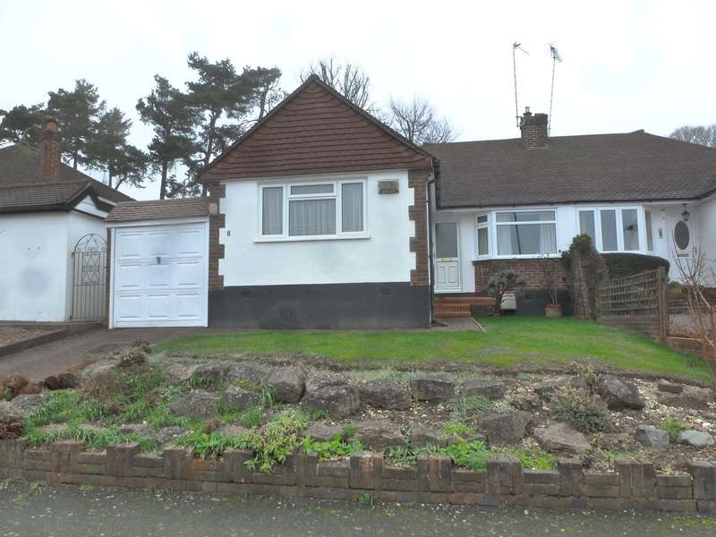 2 Bedrooms Detached Bungalow for sale in Lynne Close, South Croydon, Surrey