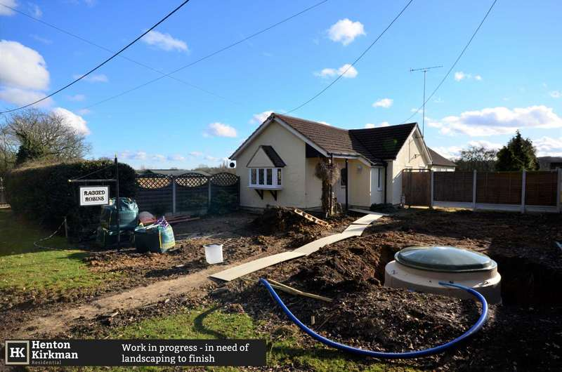 3 Bedrooms Detached House for sale in Lower Stock Road, Chelmsford