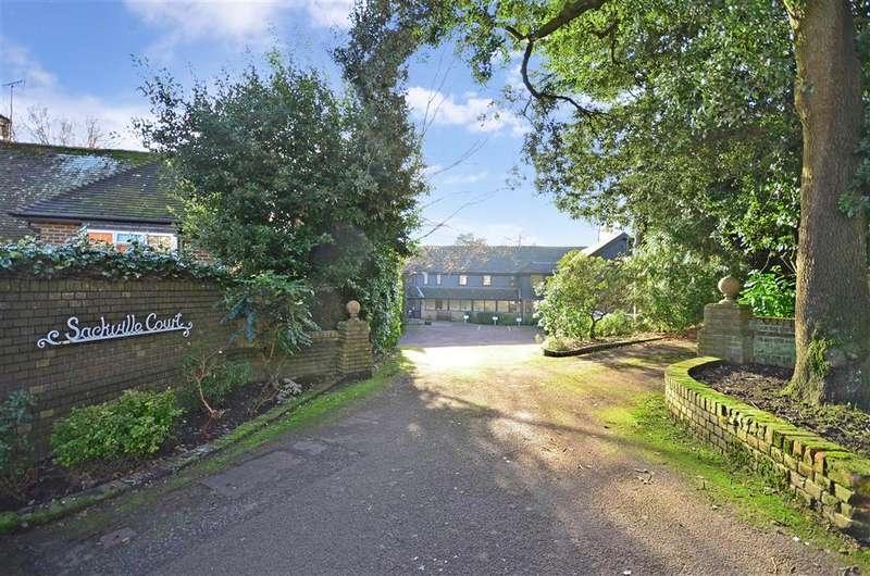 1 Bedroom Ground Flat for sale in Fairfield Road, East Grinstead, West Sussex
