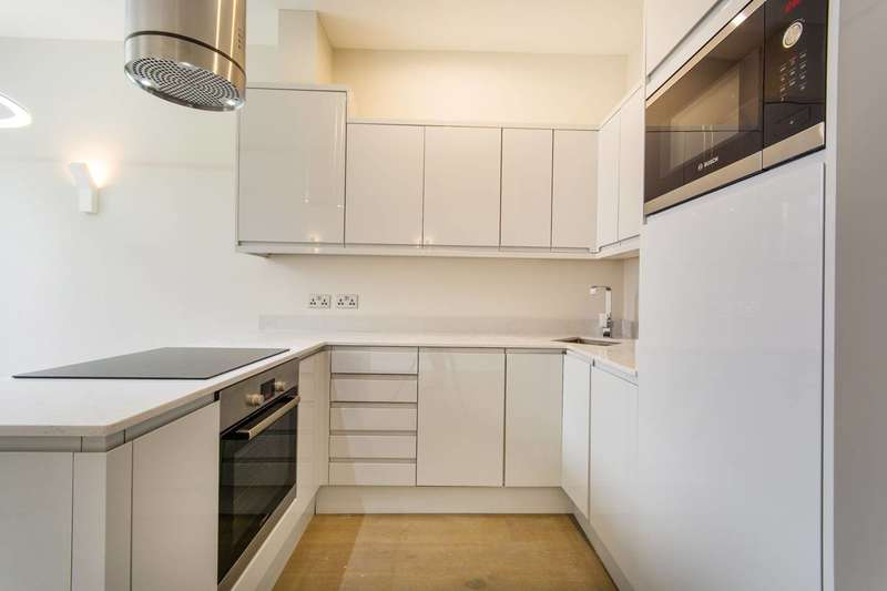 2 Bedrooms Flat for sale in Southampton Way, Camberwell, SE5