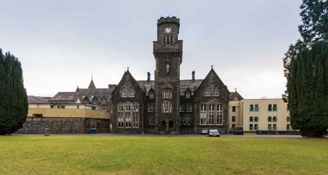 3 Bedrooms Flat for sale in The Highland Club, Fort Augustus, PH32 4BJ