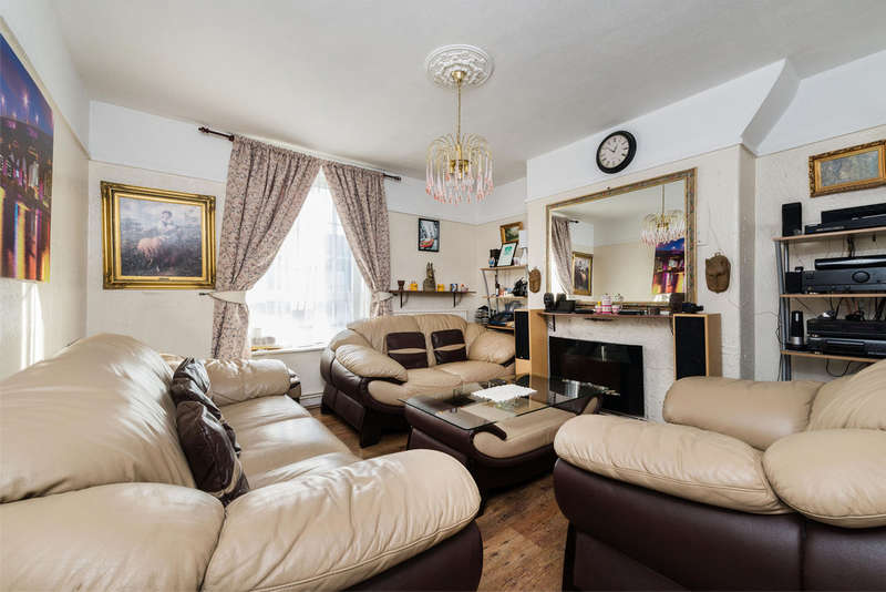 3 Bedrooms Flat for sale in East Dulwich Estate, London SE22 8BZ