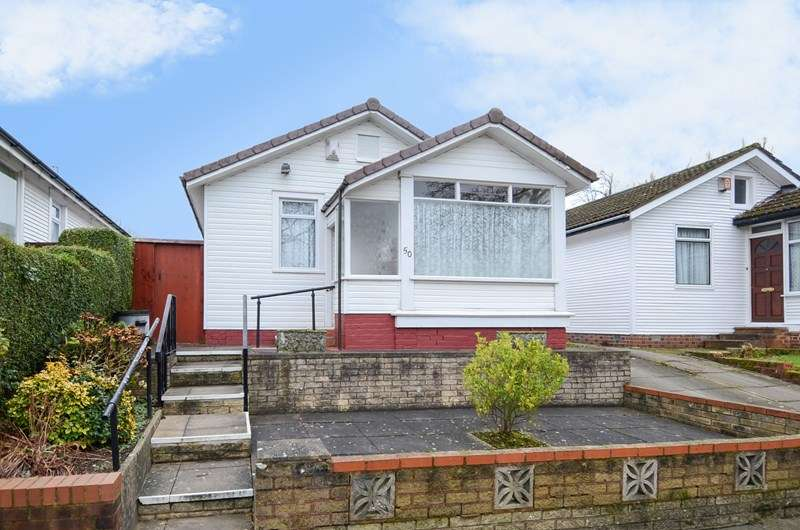 2 Bedrooms Detached Bungalow for sale in Central Avenue, Northfield, Birmingham