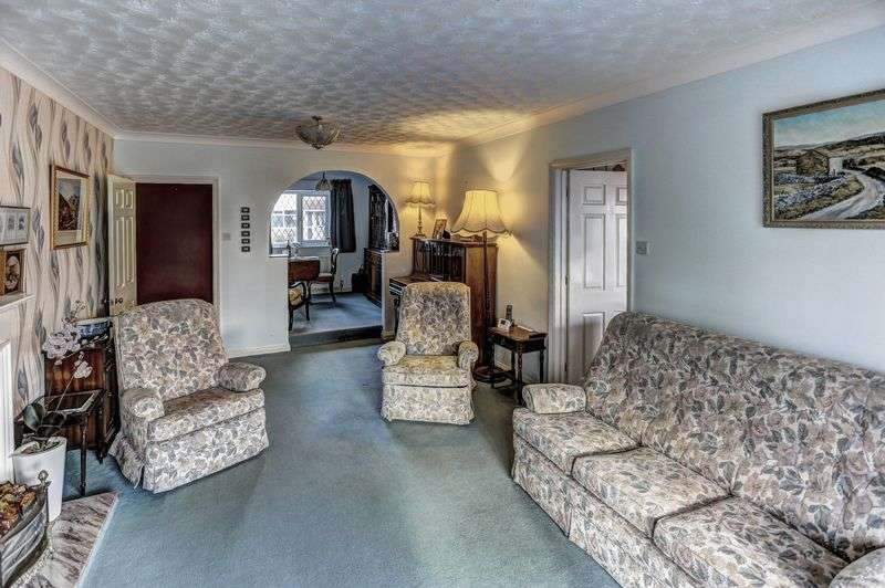 2 Bedrooms Detached Bungalow for sale in Fieldside, Stretham