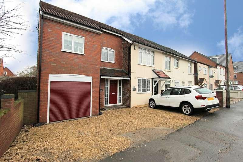 2 Bedrooms End Of Terrace House for sale in Stourbridge Road, Hagley, Stourbridge, DY9