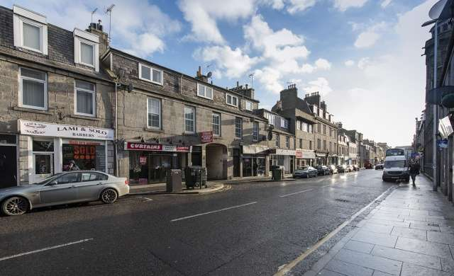 2 Bedrooms Flat for sale in George Street, Aberdeen, Aberdeenshire, AB25 1HL