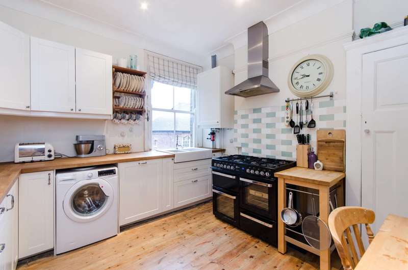 3 Bedrooms Flat for sale in Fernwood Avenue, Streatham, SW16