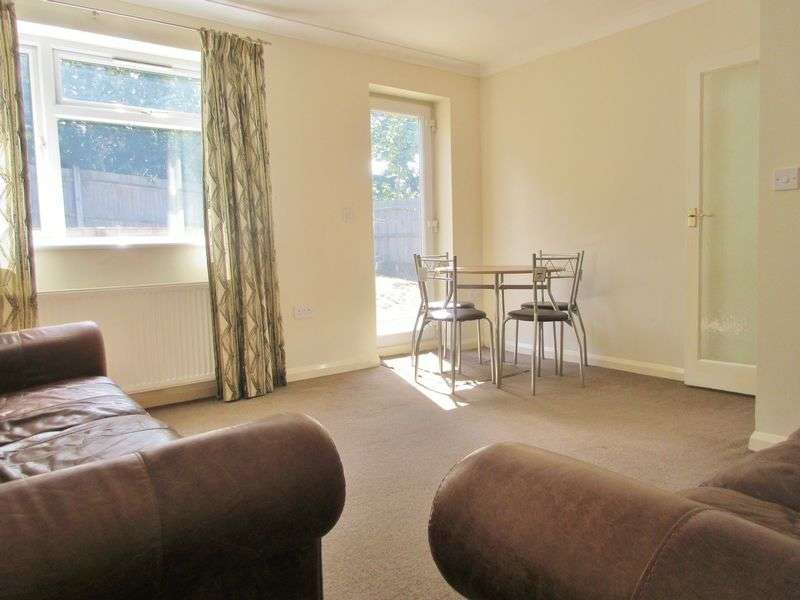4 Bedrooms Semi Detached House for rent in Wilmington Close, Brighton