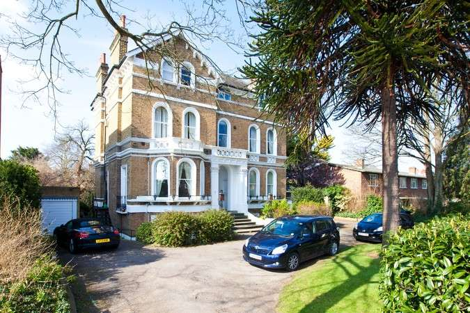1 Bedroom Flat for sale in Bolton Road, Chiswick