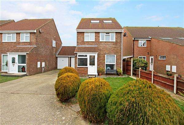 3 Bedrooms Detached House for sale in Catalina Close, Christchurch