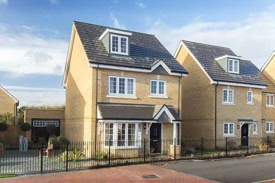 Detached House for sale in The Grassmere, Bagshot Road, Knaphill, Woking, GU212RN