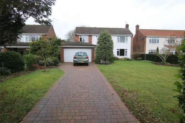 4 Bedrooms Detached House for sale in 8 Pine Road, South Wootton