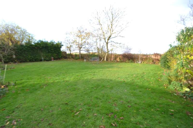 2 Bedrooms Detached Bungalow for sale in Eye, Suffolk