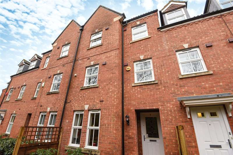 4 Bedrooms Town House for sale in Victoria Walk, Wokingham, Berkshire, RG40