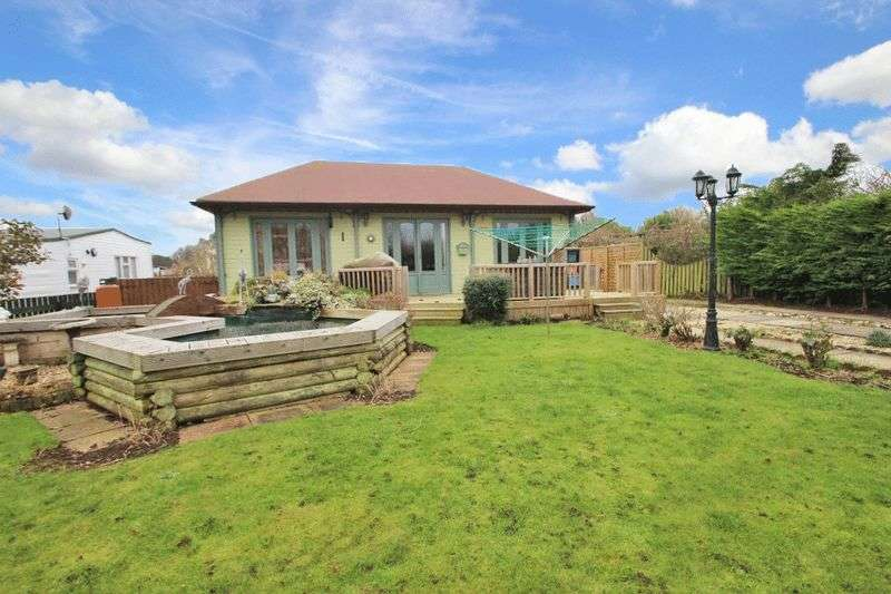 3 Bedrooms Detached Bungalow for sale in ANTONYS BANK, HUMBERSTON FITTIES