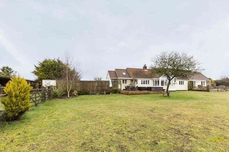 4 Bedrooms Detached Bungalow for sale in Huckswood Lane, Old Idsworth
