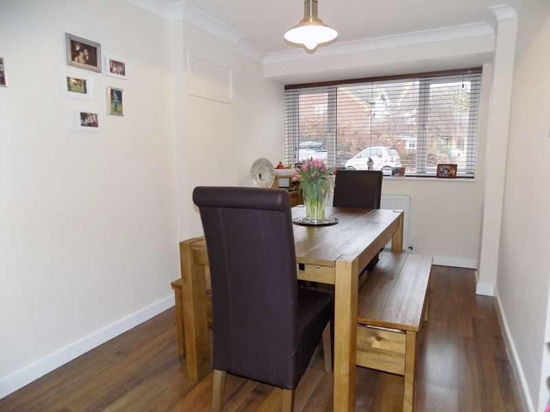 3 Bedrooms Semi Detached House for sale in Owen Drive, Royston, Hertfordshire, SG8