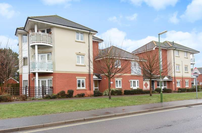 2 Bedrooms Flat for sale in Peregrine Court, Swanfield Drive, Chichester, PO19