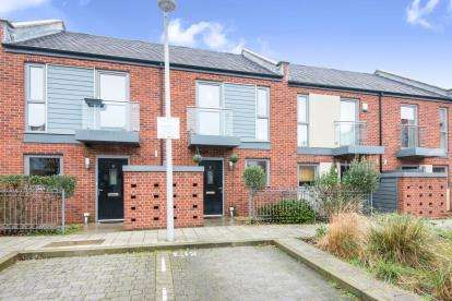 2 Bedrooms Terraced House for sale in Woolston, Southampton, Hampshire
