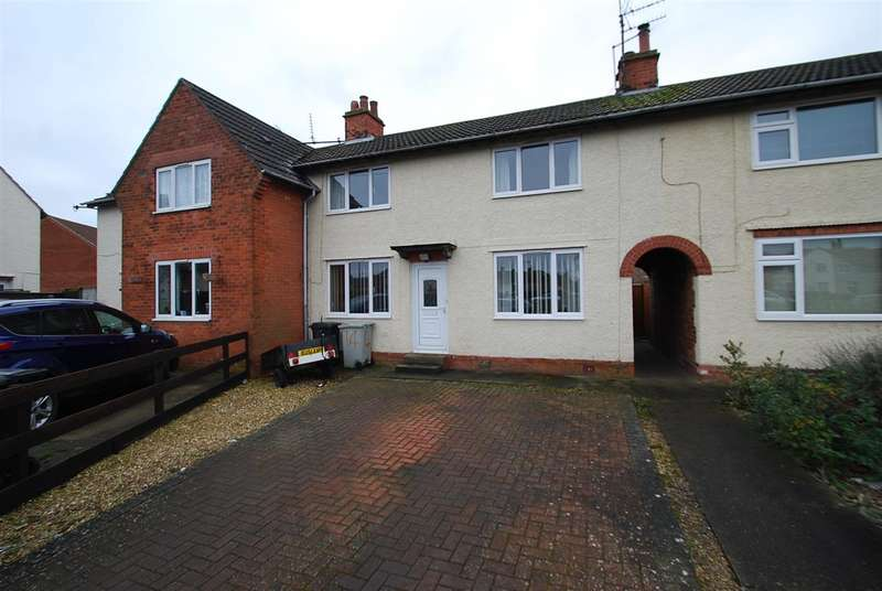 3 Bedrooms Terraced House for sale in Tennyson Green, Skegness