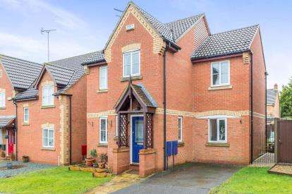 4 Bedrooms Detached House for sale in Nightingale Close, Lang Farm, Daventry, Northamptonshire