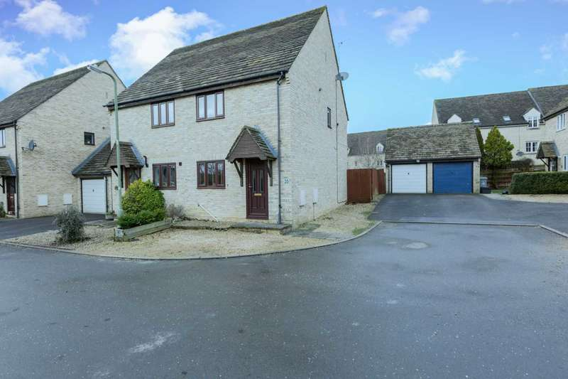 2 Bedrooms Semi Detached House for sale in Donnington Close, Witney