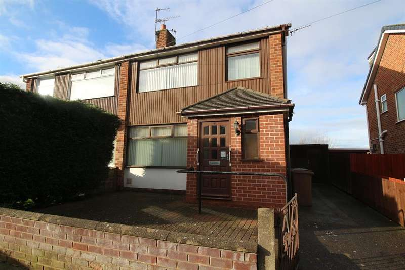 3 Bedrooms Semi Detached House for sale in Croft Drive, Moreton, Wirral, CH46 0QT