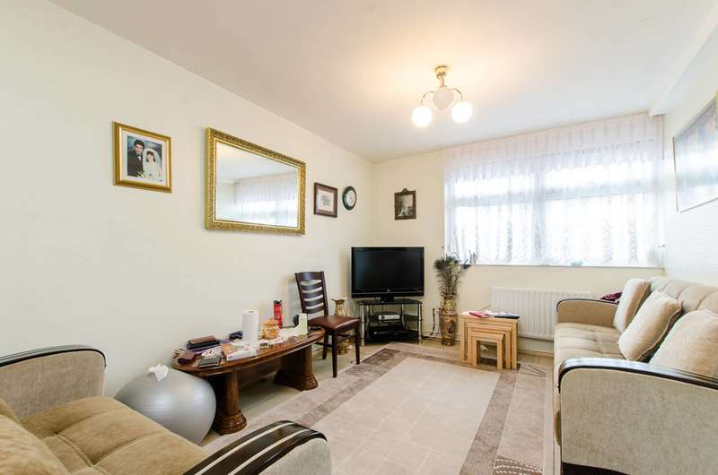2 Bedrooms Maisonette Flat for sale in Mansford Street, Bethnal Green, E2
