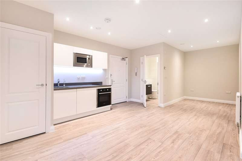 Apartment Flat for sale in Swan House, Homestead Road, Rickmansworth, Hertfordshire, WD3