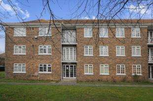 2 Bedrooms Flat for sale in Beverley Hyrst, Addiscombe Road, Croydon