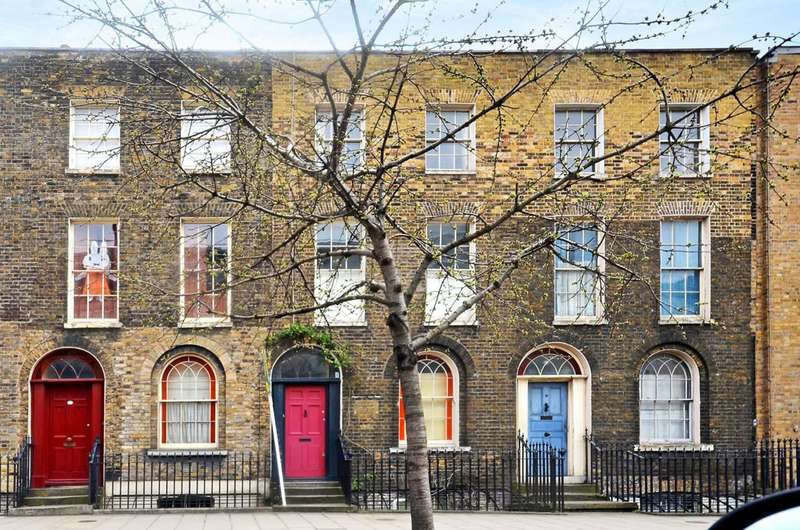 3 Bedrooms Terraced House for sale in Mare Street, London Fields, E8