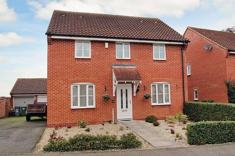 5 Bedrooms Detached House for sale in Beckside, Norwich