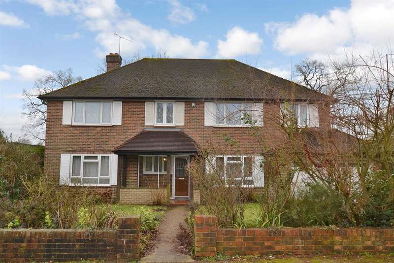 6 Bedrooms Detached House for sale in Grange Close, Merstham, Surrey, RH1 3DY