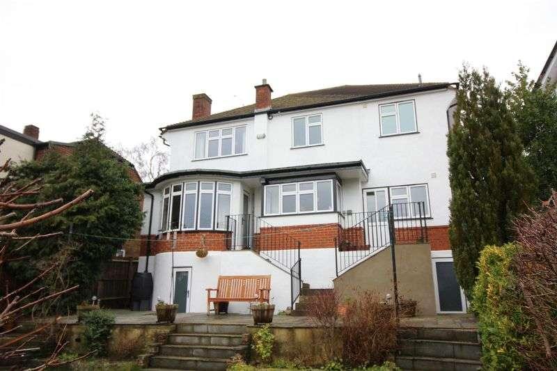 4 Bedrooms Detached House for sale in Westfield Avenue, Sanderstead, Surrey