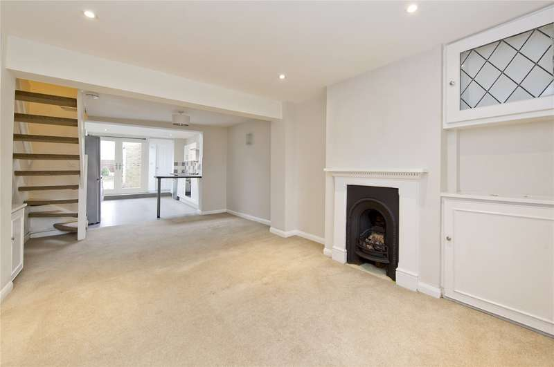 2 Bedrooms Terraced House for sale in First Cross Road, Twickenham, TW2