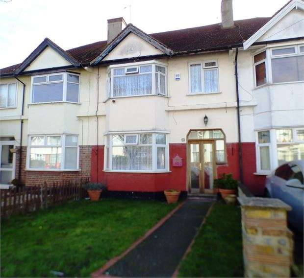 3 Bedrooms Terraced House for sale in St. Lukes Road, Southend on sea, Southend on sea, SS2 4AB