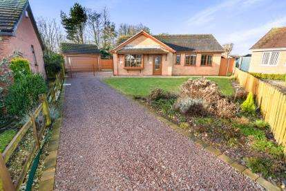 3 Bedrooms Bungalow for sale in Waltham Road, Lincoln, Lincolnshire