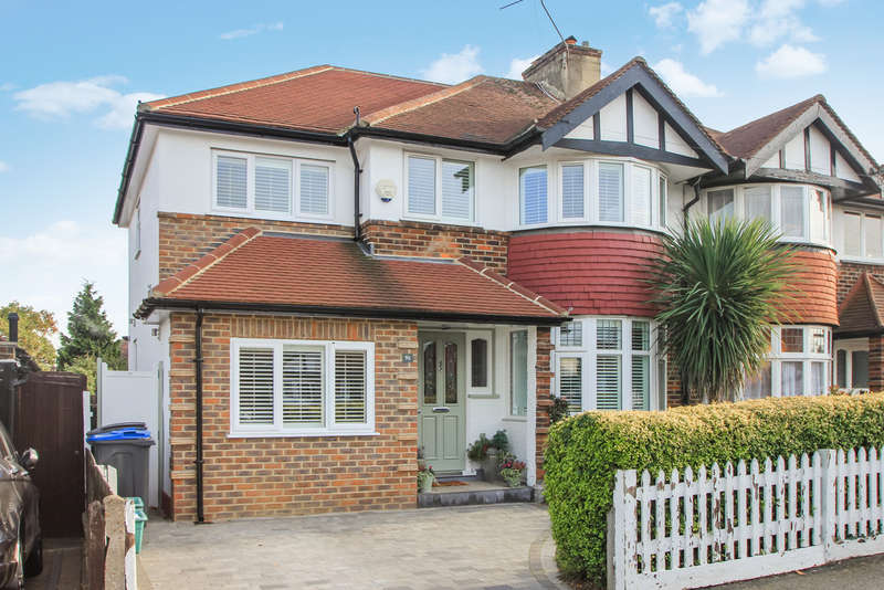 3 Bedrooms Semi Detached House for sale in Chiltern Drive, Surbiton