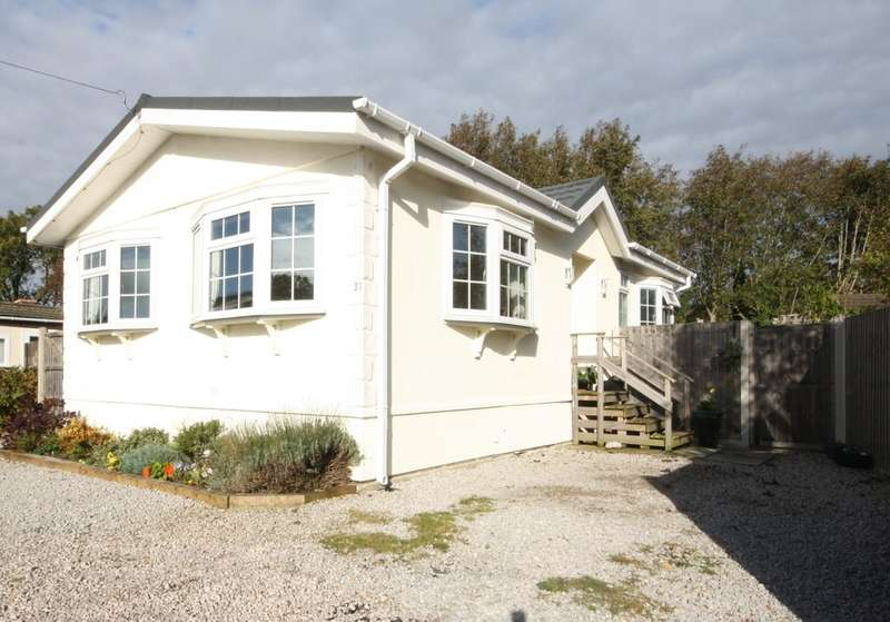 2 Bedrooms Detached Bungalow for sale in Alderlee Park, Scarisbrick, Lancashire