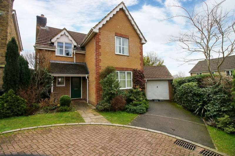 4 Bedrooms Detached House for sale in Churchfields Drive, Bovey Tracey