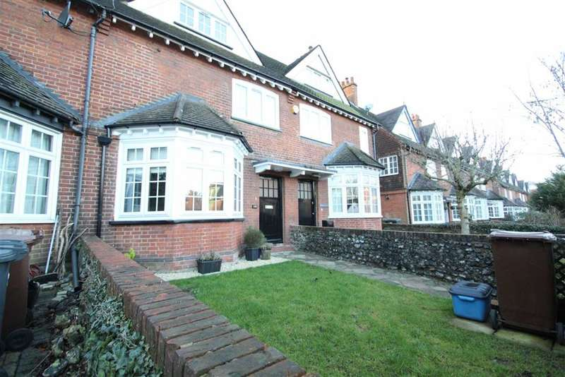 4 Bedrooms Property for sale in Watling Street, Radlett, Middlesex