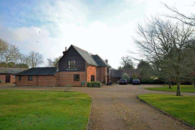8 Bedrooms Detached House for sale in Downton, Nr Lymington