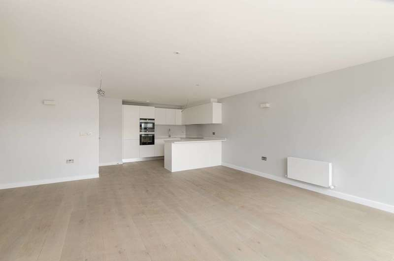 3 Bedrooms Flat for sale in Southern Row, Ladbroke Grove, W10