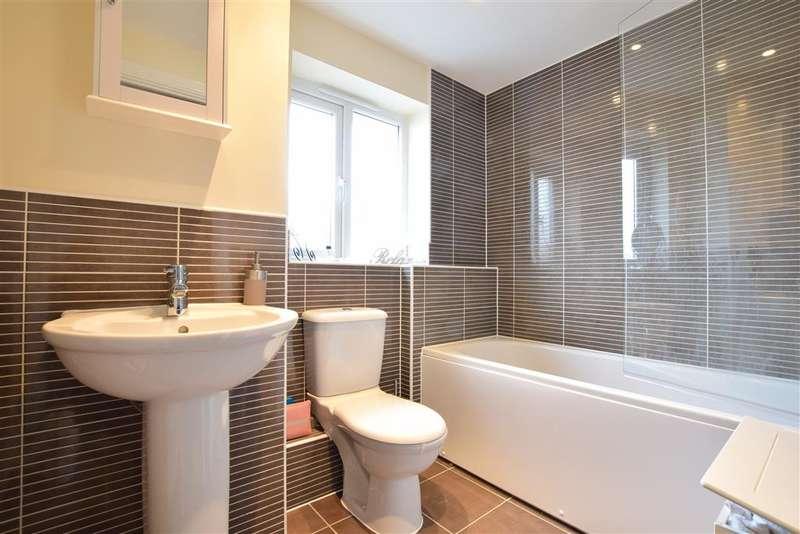 2 Bedrooms Mews House for sale in Dale Way, Felpham, Bognor Regis, West Sussex