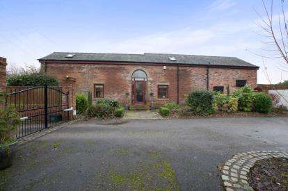 4 Bedrooms Barn Conversion Character Property for sale in Station Road, Salwick, Preston, Lancashire